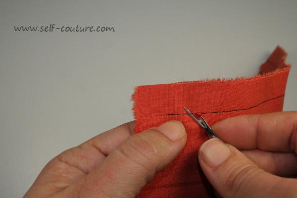 Cours de couture d butant comment d coudre une couture self couture - Couper papier peint sans dechirer ...