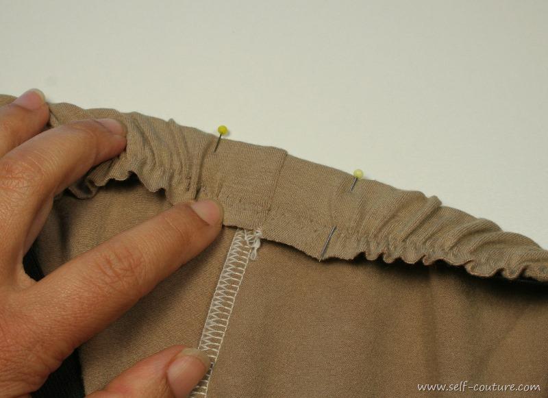 coudre les lastiques directement sur le tissu self couture. Black Bedroom Furniture Sets. Home Design Ideas