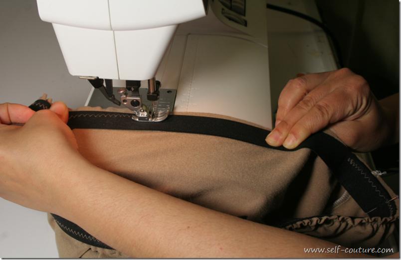 Coudre les lastiques directement sur le tissu self couture - Le polyester est il elastique ...